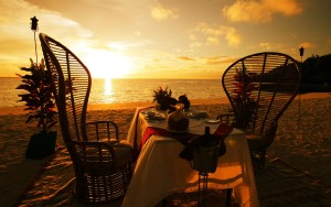 sunset-dinner-on-the-beach